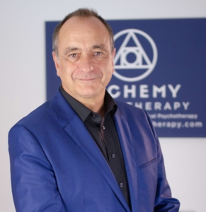 This is a picture of Gareth Strangemore-Jones (AlchemyHypnotherapy.com)